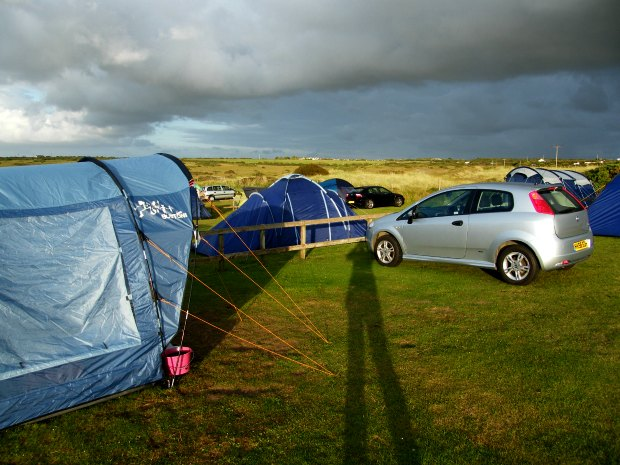 Camping in Cornwall. Easycamp Boston 400 tent.